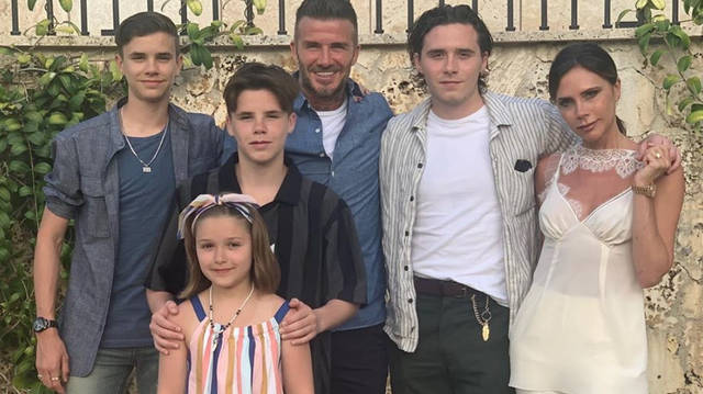 Victoria Beckham Latest News Fashion Updates Videos And Photos Heart
