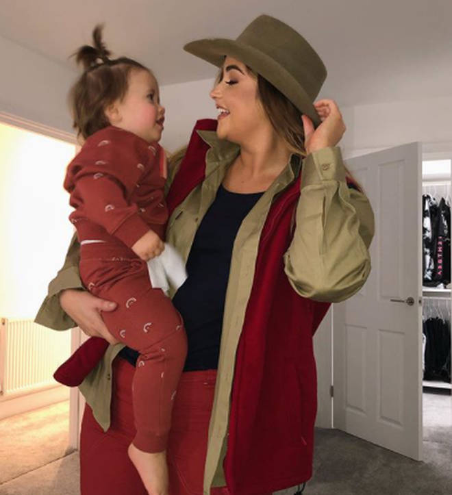 This picture of Jacqueline and her daughter Mia confused fans as they thought she'd left the jungle