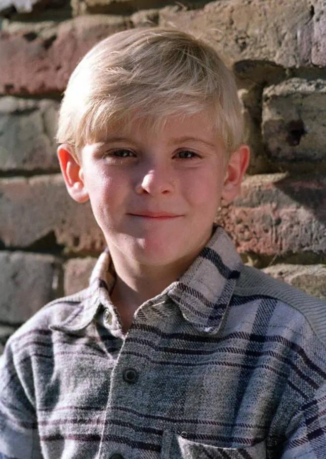 Joseph Shade played Peter in 1998
