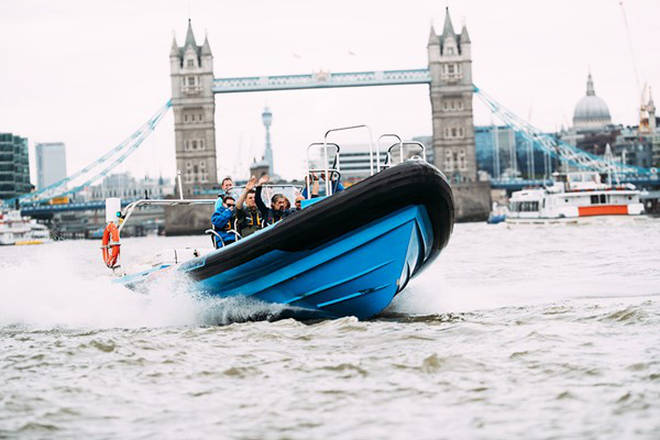 Speedboat ride on the Thames