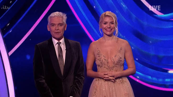 Dancing On Ice fans loved Holly Willoughby's semi finals look
