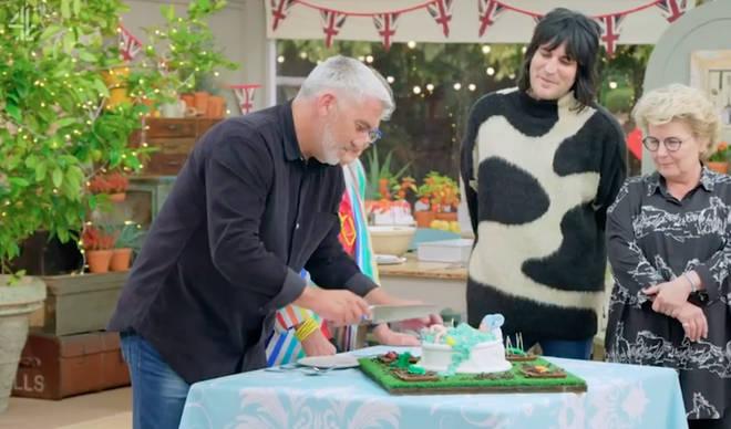 Paul Hollywood was impressed with Kelly Brook's bathtub cake