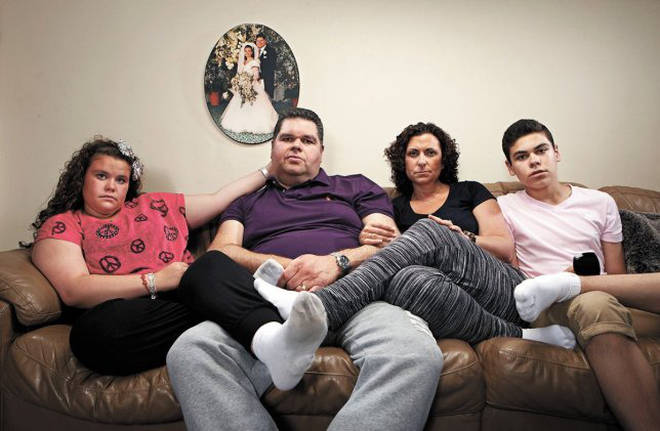Jonathan Tapper (second left) was left fighting for his life after catching coronavirus.