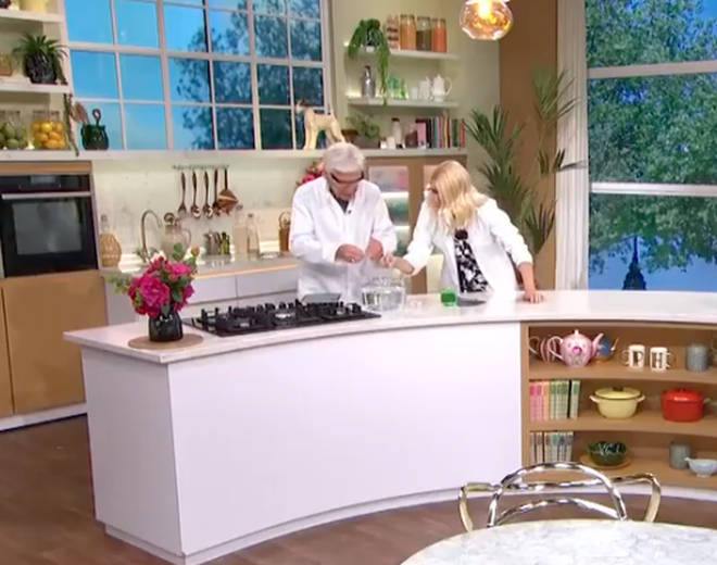 Holly Willoughby broke social distancing rules on This Morning