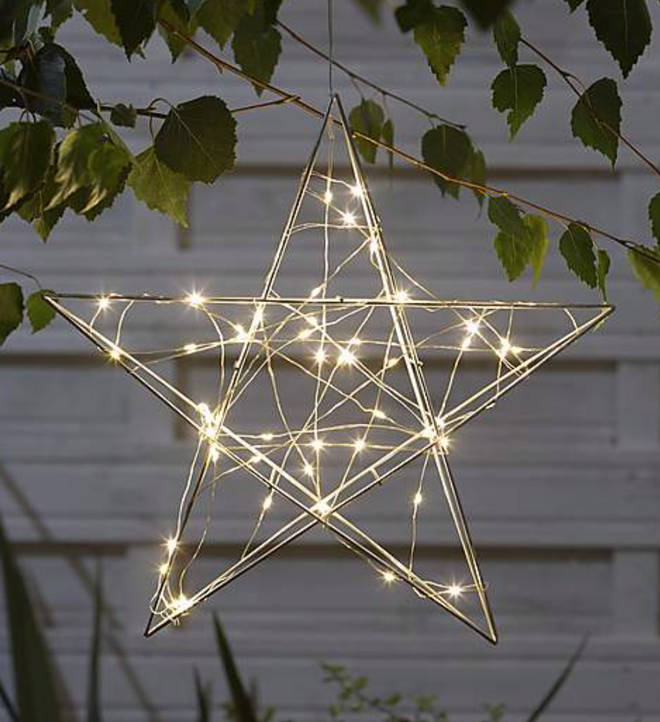 Light-Up Metal Star Outdoor Decoration