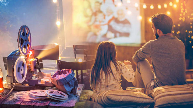 This is how you can set up your own outdoor cinema