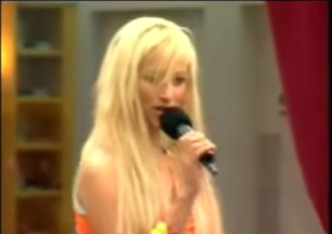 Chantelle Houghton singing on Celebrity Big Brother