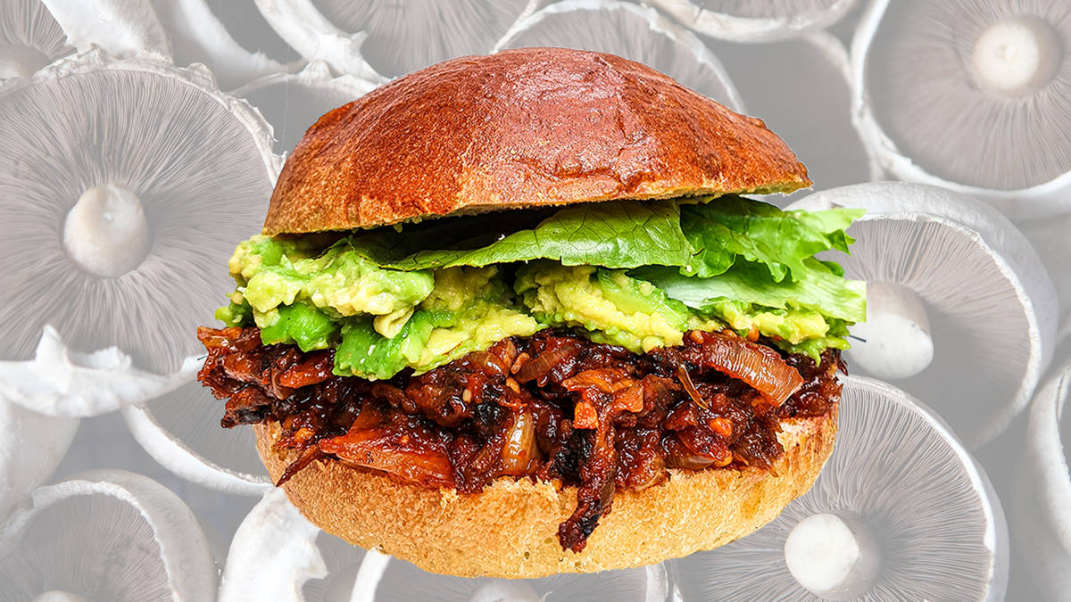 BBQ pulled mushroom burger recipe is great for vegans and vegetarians