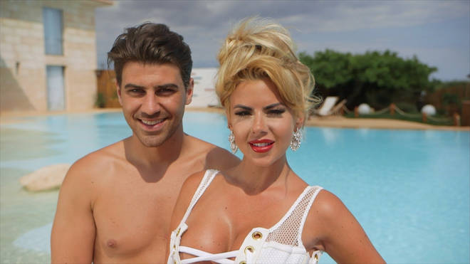 Jon and Hannah were contestants in the first series of Love Island
