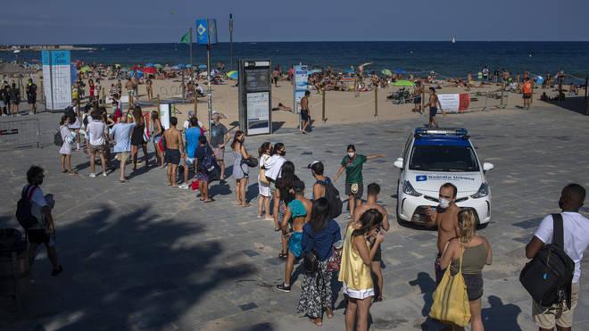 El repentino aumento de casos de COVID-19 en España ha generado temores de un segundo repunte