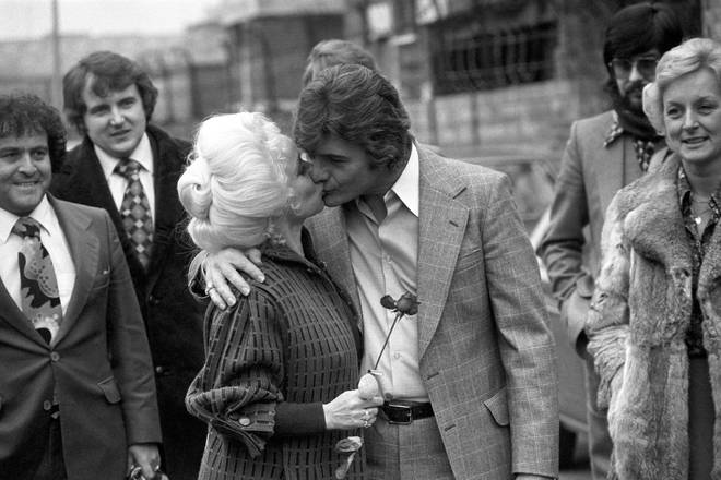 Barbara Windsor asked for a divorce from Ronnie Knight in 1988