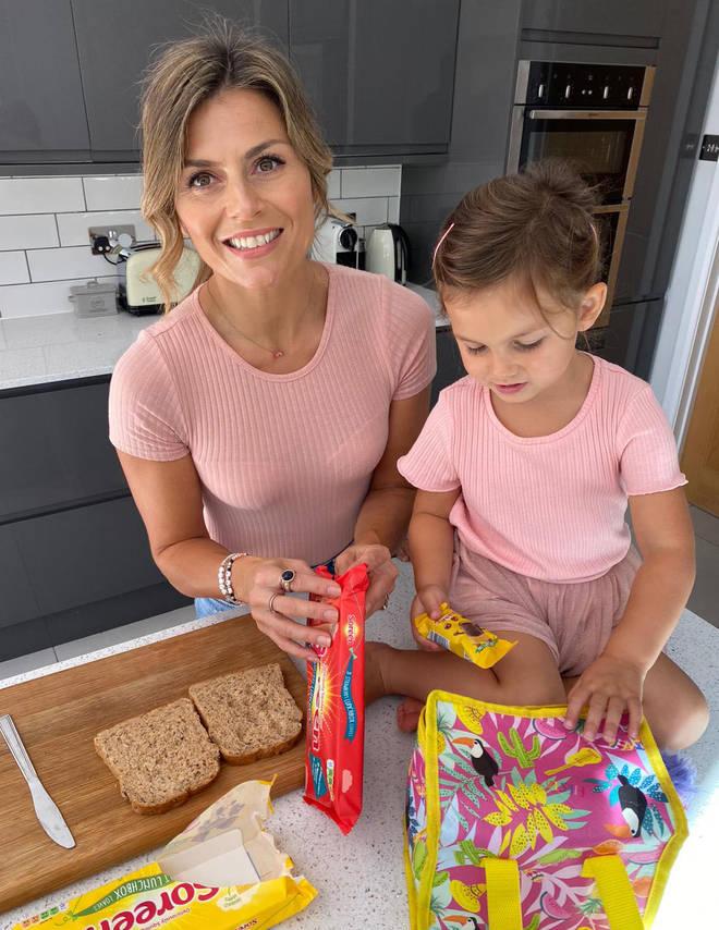 Zoe and her daughter Luna