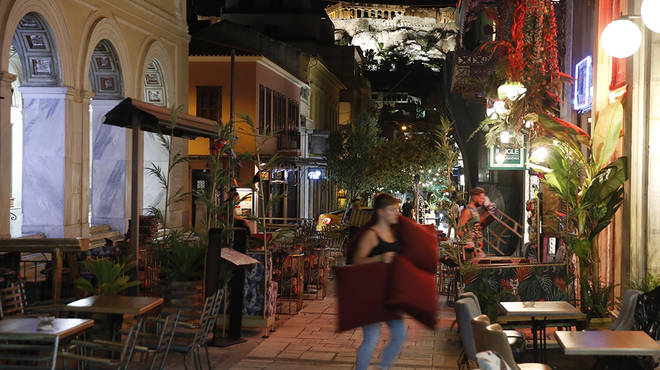 Greece bars and restaurants are on a strict curfew to help fight coronavirus