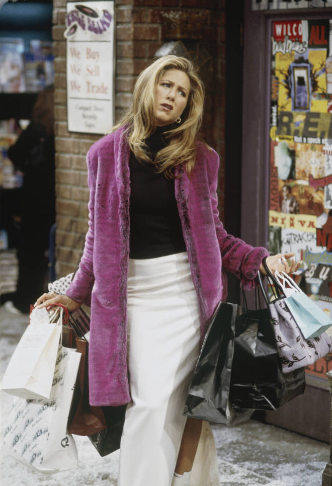 With her role as a waitress and her rent in Monica's apartment, Rachel would be down -£462 per month