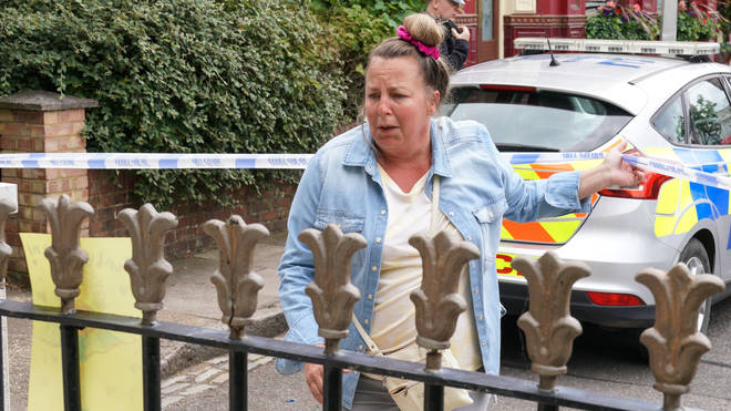 Karen learns about her daughters death in EastEnders