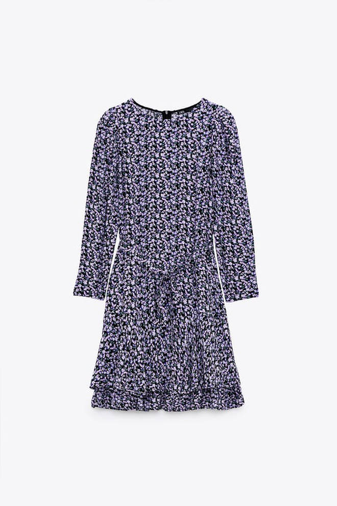 Holly Willoughby is wearing a Zara dress