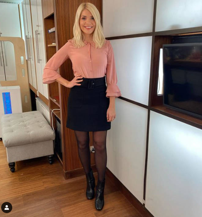 Holly Willoughby is wearing an autumnal outfit on This Morning