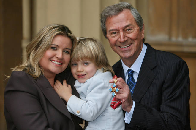 Des O'Connor has been survived by his wife Jodie