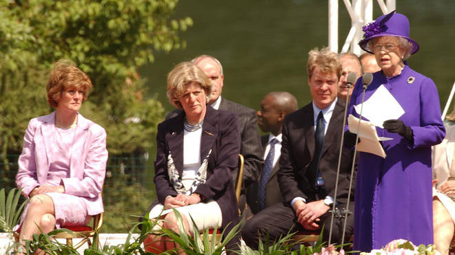 Sarah at the opening of a fountain built in memory of Diana in London's Hyde Park (2004)