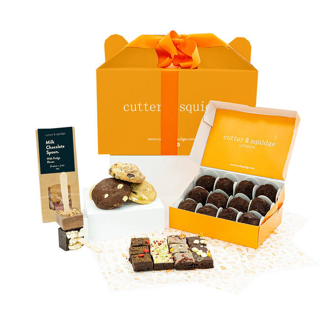 There are all sorts of sweet treats in this cute box