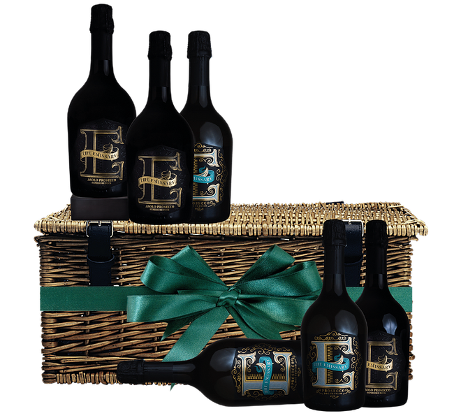 This hamper of vegan-friendly Prosecco comes in a gorgeous wicker basket