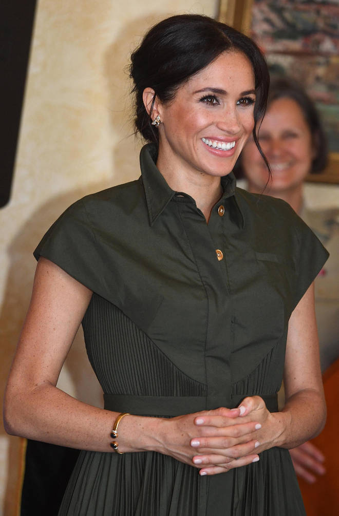 Meghan Markle wears Princess Diana's gold bracelet during royal tour