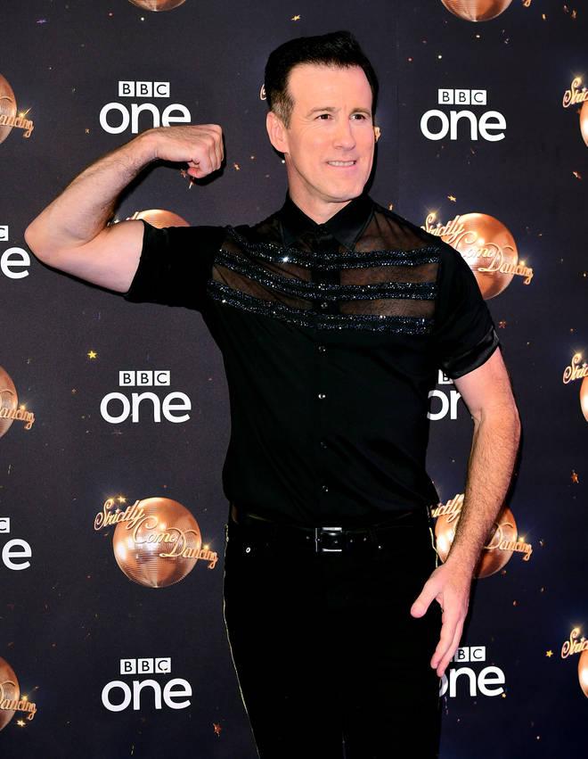 Anton Du Beke flaunts muscles on red carpet