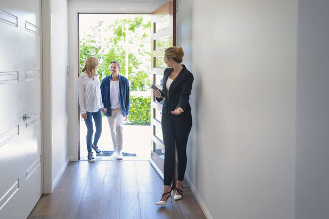 House viewings can go ahead, but with strict social distancing rules
