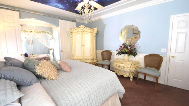 There is a Cinderella themed master room