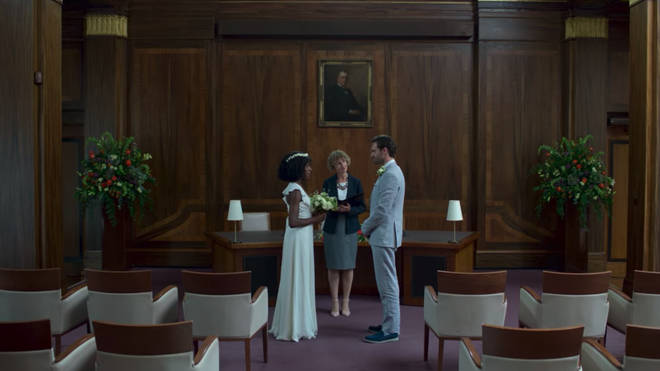 David unknowingly marries Rob, who is in Louise's body, at the end