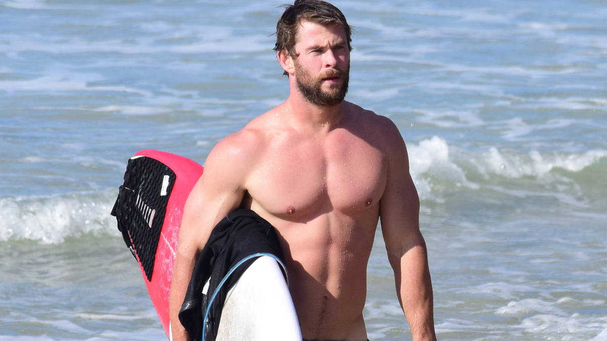 Fans can't stop talking about Chris Hemsworth's bum after ...