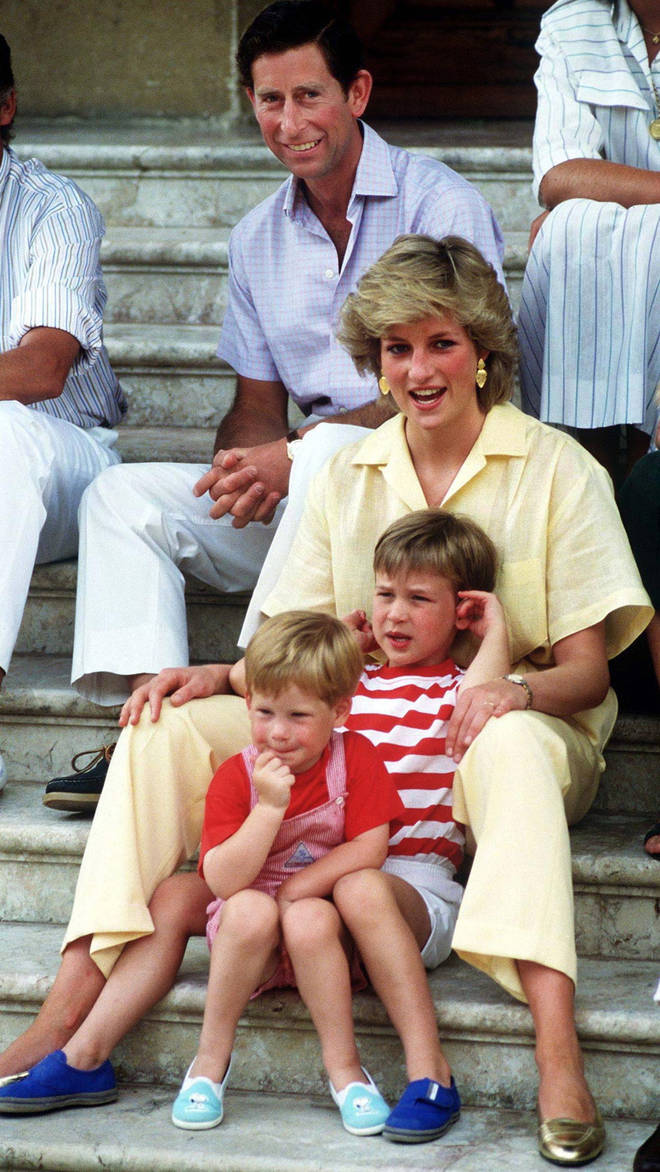 A statue of Princess Diana will be unveiled in the Kensington Palace gardens