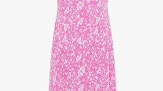 Holly Willoughby is wearing a pink dress from Great Plains