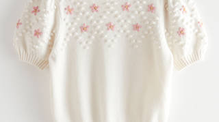 Holly Willoughby is wearing a jumper from & Other Stories