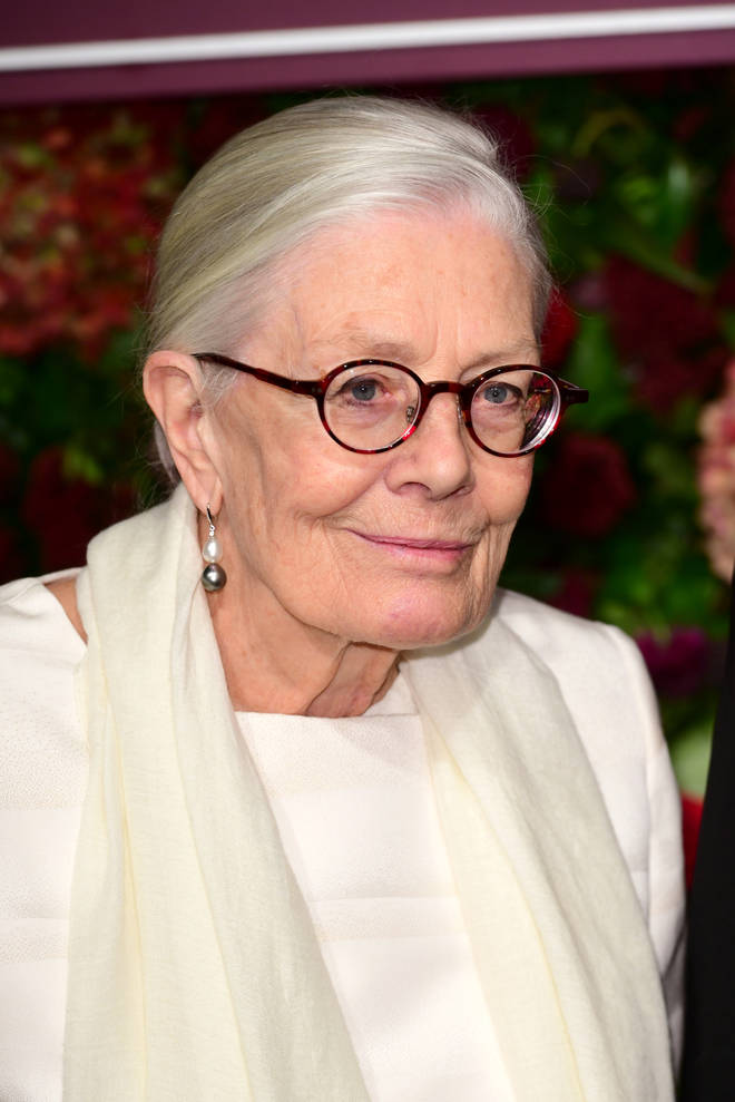 Vanessa Redgrave is the narrator on Call The Midwife