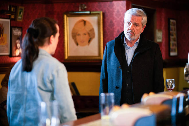 Sonia is reunited with her dad Terry Cant in EastEnders