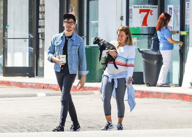 Hilary Duff and her boyfriend Matthew Koma when she was pregnant in LA