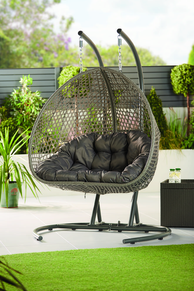 The new Aldi egg chair is out later this summer