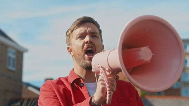 Iain Stirling will be doing the voiceover for Love Island