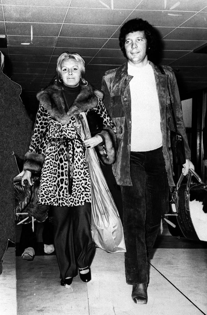 Tom Jones and his late wife Linda