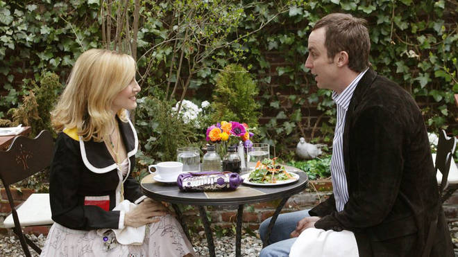 Carrie goes on a lunch date with a graphic designer - which goes from bad to worse