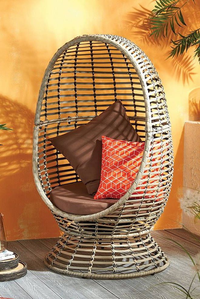 This trendy egg chair is a real nod to the 70s