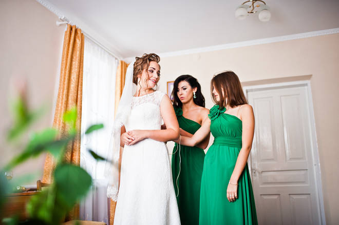 The bride asked her sister to be maid of honour at her wedding (stock image)