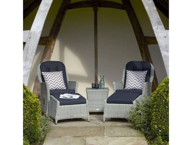 These smart recliners look very inviting!