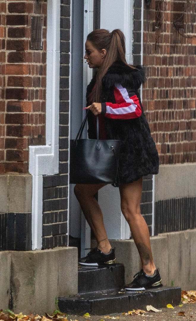 Katie Piper is spotted heading into the dress shop