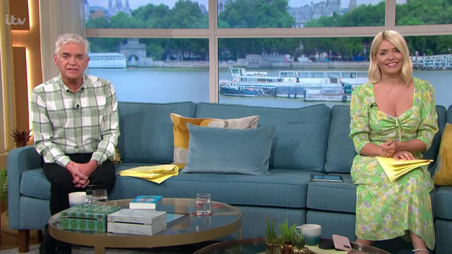 Holly and Phil have to keep distance from one another while presenting This Morning as it is a 'workplace'