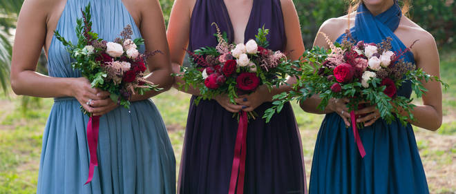 A woman has been kicked out of her friend's wedding party