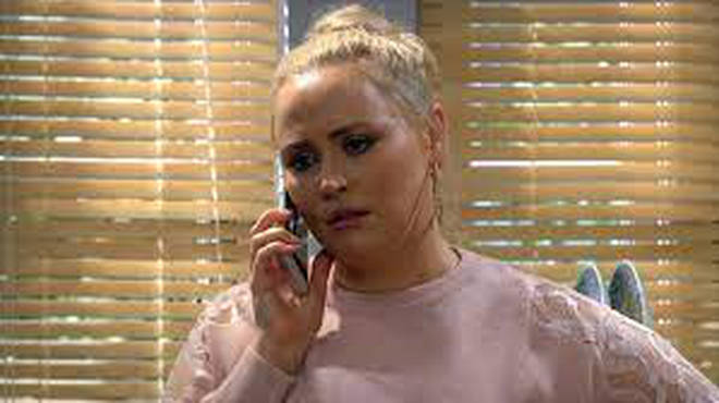 Tracy Metcalfe is played by Amy Walsh in Emmerdale