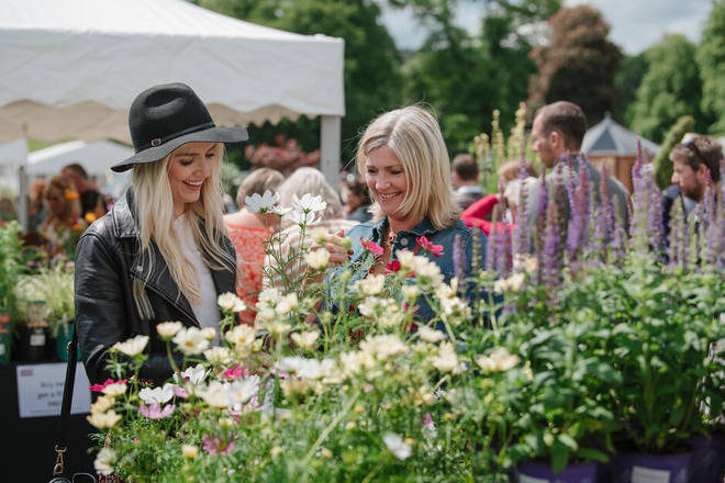 Make a day of it and get your friends together for a blooming beautiful experience