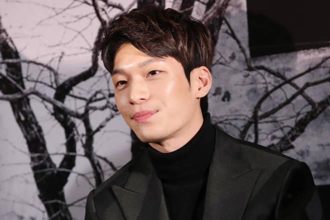Wi Ha-joon plays Jun-ho